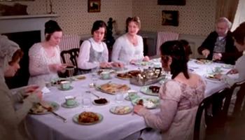 Scène de repas quotidien dans la famille Bennet, Orgueil et préjugés, série télé BBC (1995)