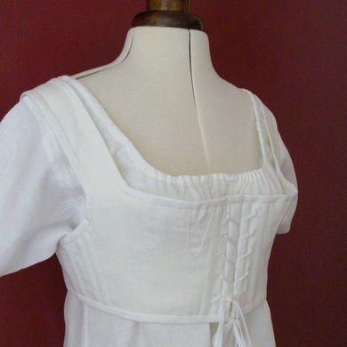 Brassière portée à l'époque de la Régence, en remplacement du corset qui avait disparu