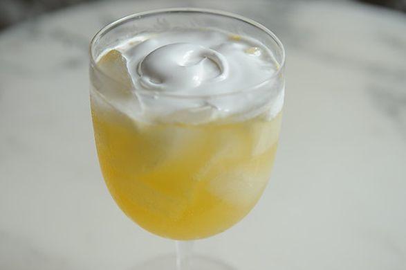 Le ponch à la romaine était une boisson servie lors des bals, à l'époque de Jane Austen