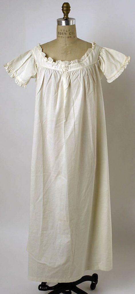 Chemise de corps que l'on porte comme sous-vêtement à l'époque Régence et victorienne